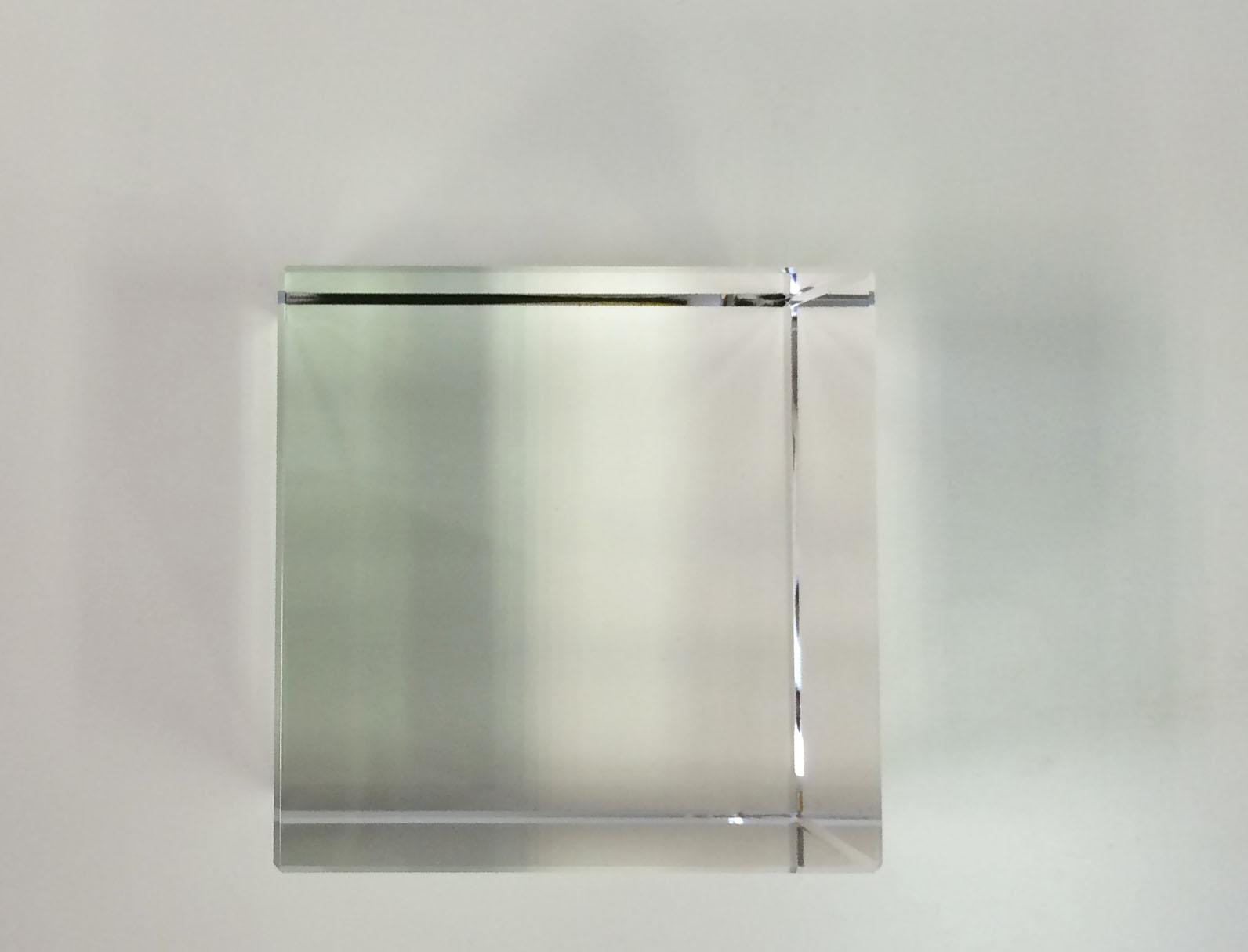 crystal-glass-cube-20cm-2